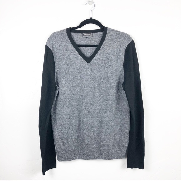 3/$15 SALE ✨Express MENS Black Gray V,Neck Sweater